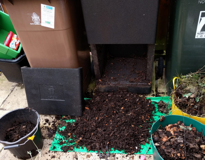 Harvesting the HOTBIN Compost